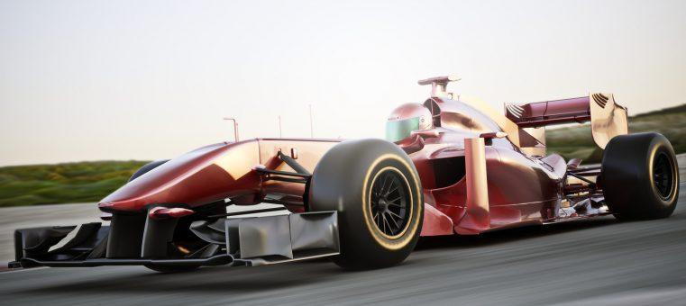 11月27日、2016年シーズンのF1グランプリで初の総合優勝を達成したドライバーは誰でしょう?
