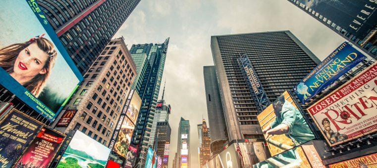 CM総合研究所が12月14日に発表した「CM好感度ランキング」で、2年連続1位となった企業はどこでしょう?