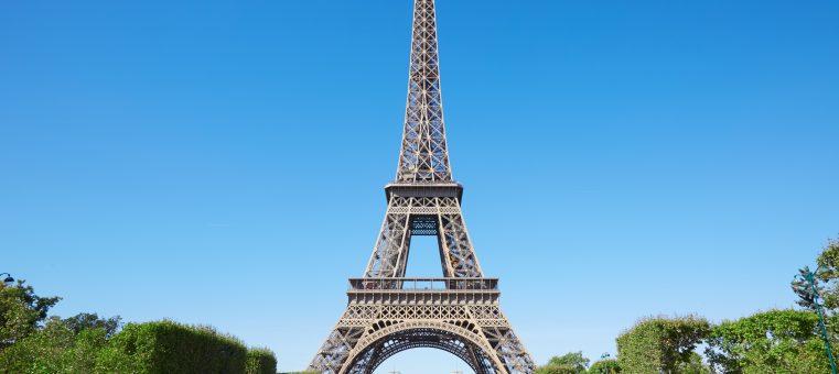 エッフェル塔を設計した建築家・エッフェルが設計を手掛けているのは、次のうちどれ?