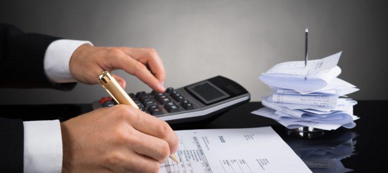 今日、2月16日より所得税の確定申告が始まりますが、次のうち一般のサラリーマンが確定申告を行うべき項目として間違っているのはどれ?